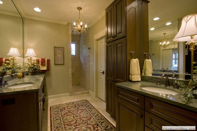 Beautiful Master Bathroom Shower: New Pointe Builders